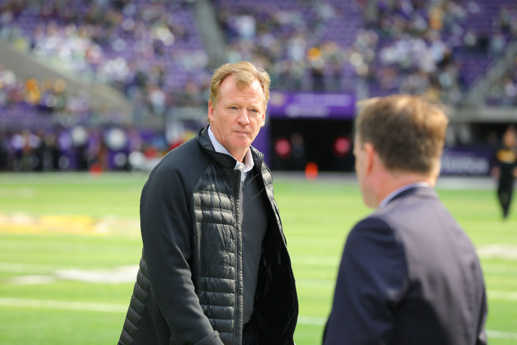 Jerry Jones tried to delay Roger Goodell deal