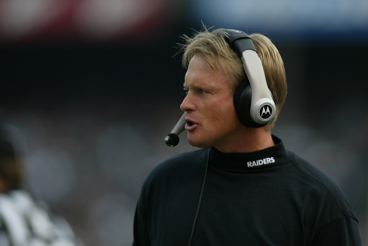 Raiders giving 10-year deal to Gruden
