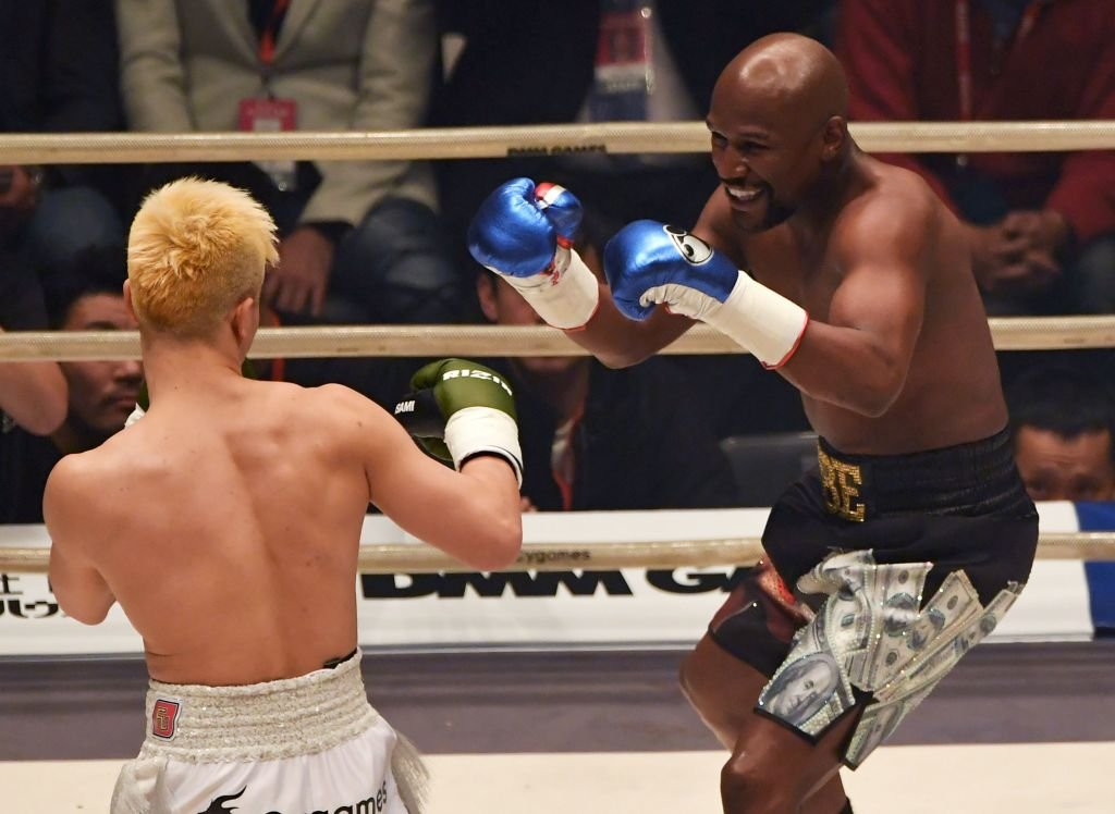 Floyd Mayweather Defeats Tenshin Nasukawa via TKO in New Year's Eve Exhibition