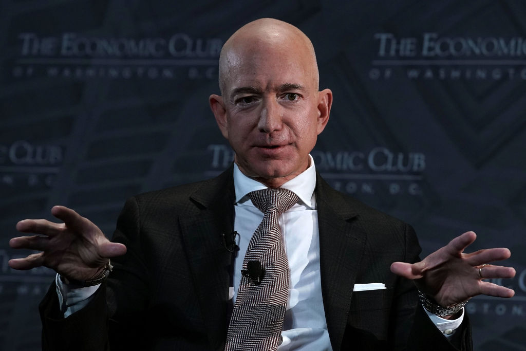Amazon shares rise for third straight week despite Bezos divorce