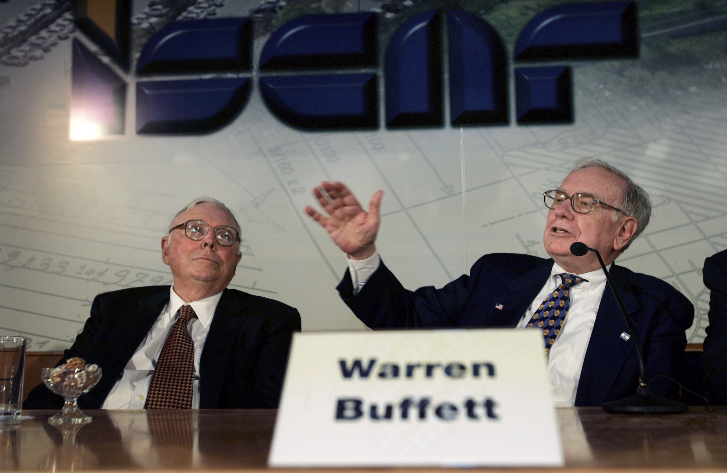Buffett appears to fault Trump, laments M&A dearth in Berkshire shareholder letter