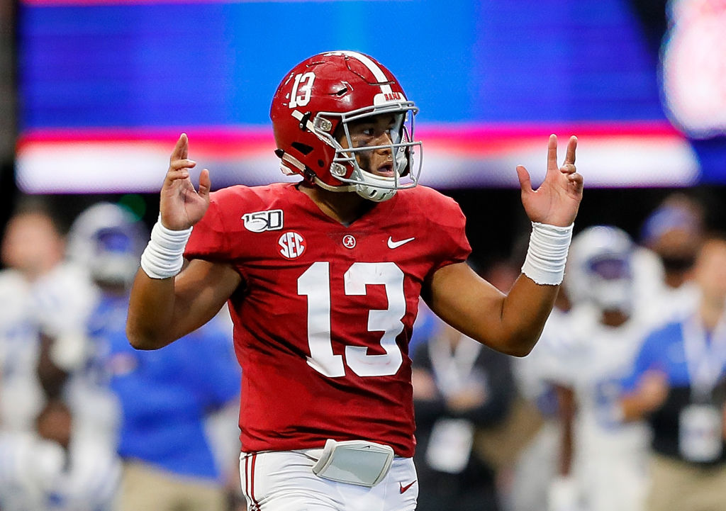 Tagovailoa's scan shows fractured hip has healed